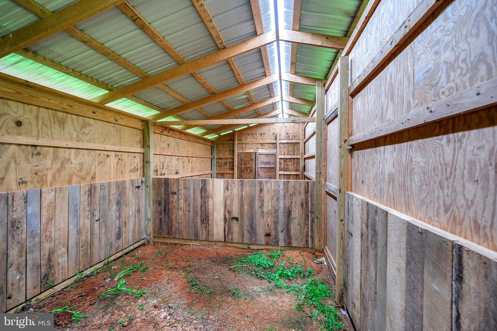 Inside barn - 16253 MARQUIS RD, ORANGE