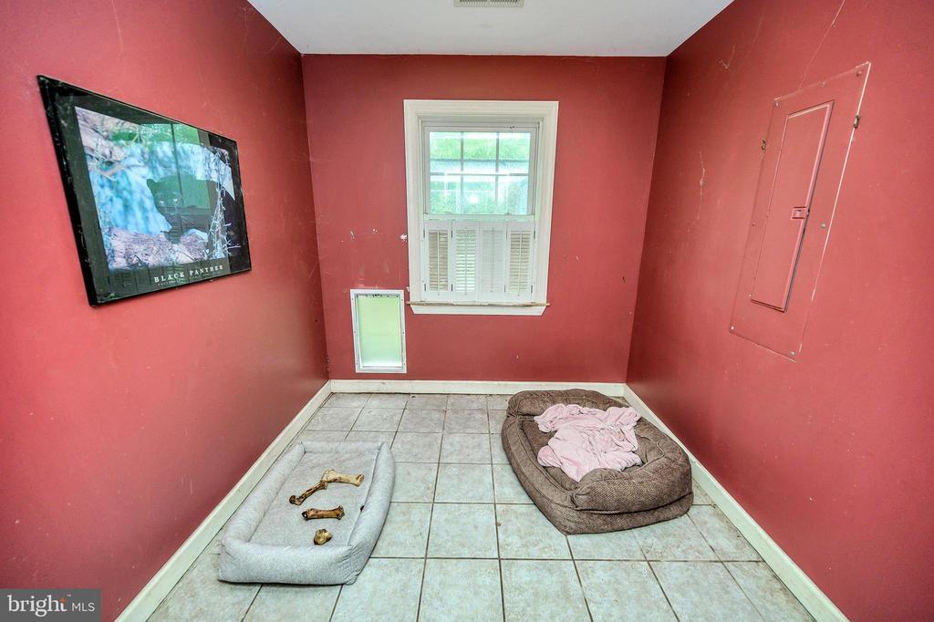 kennel - 16253 MARQUIS RD, ORANGE