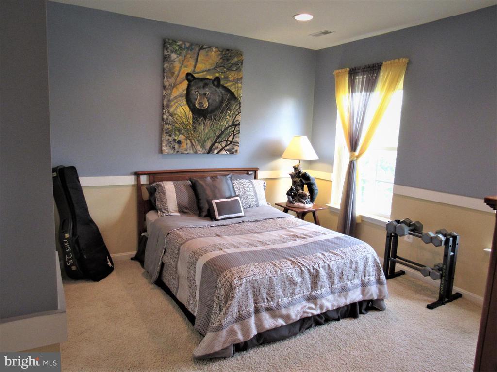 2nd floor:  bedroom 2 - 27 CAPE COD, MARTINSBURG