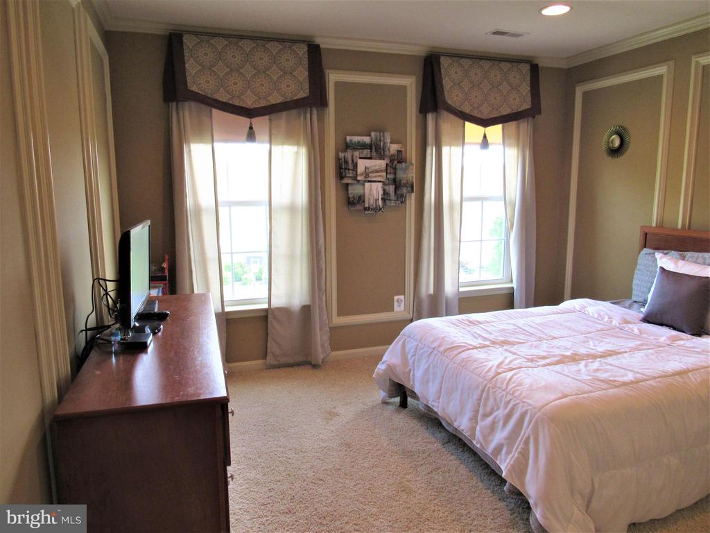 2nd floor: bedroom 4 - 27 CAPE COD, MARTINSBURG