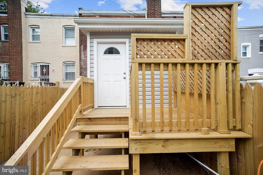 - 1514 HOWARD RD SE, WASHINGTON