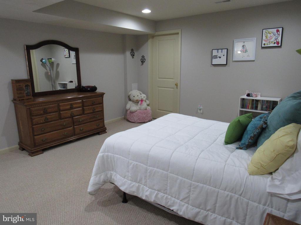 Basement: bedroom 5 - 27 CAPE COD, MARTINSBURG