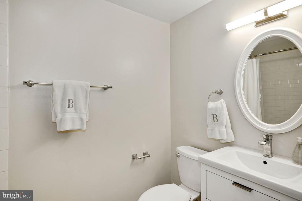 Lower Level Full Bath - 1555 33RD ST NW, WASHINGTON