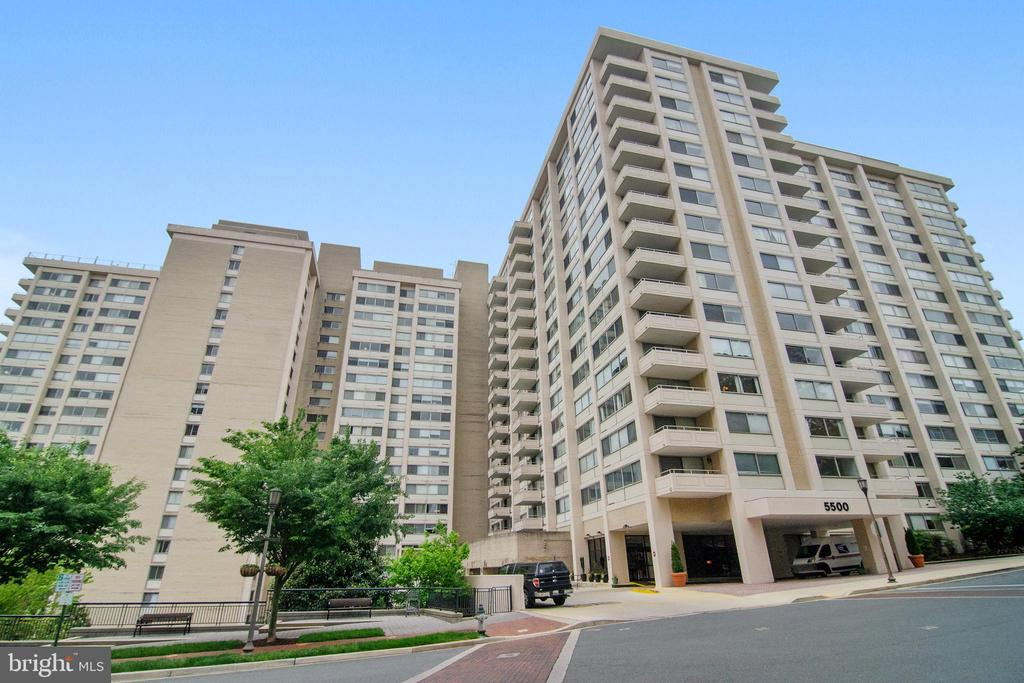 - 5500 FRIENDSHIP BLVD #1822N, CHEVY CHASE