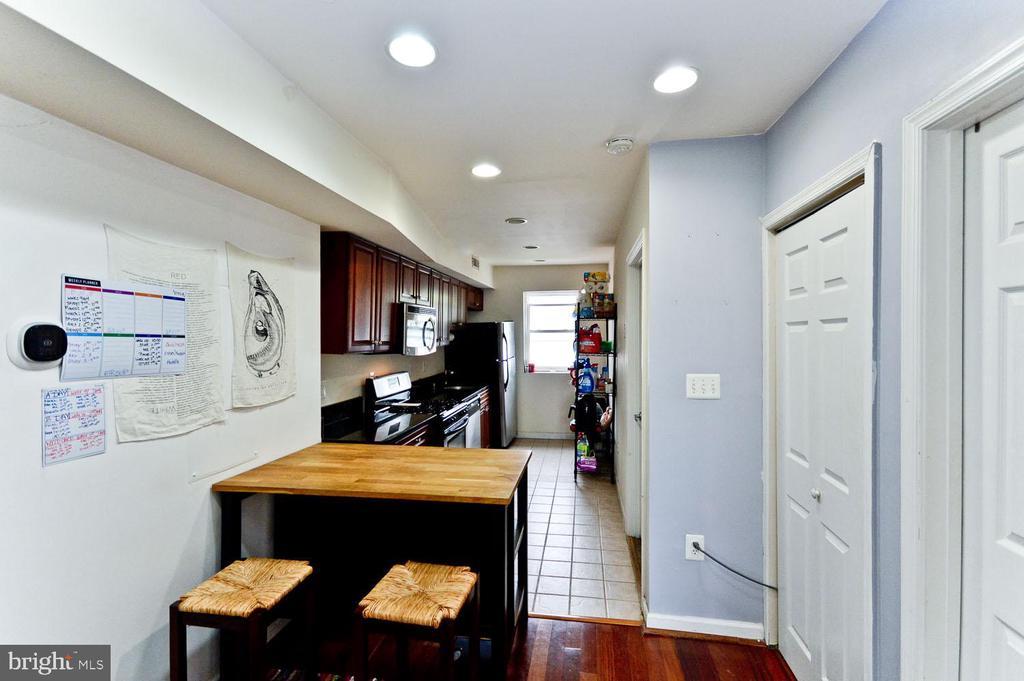 Ding room area - 2504 22ND ST NE #6, WASHINGTON