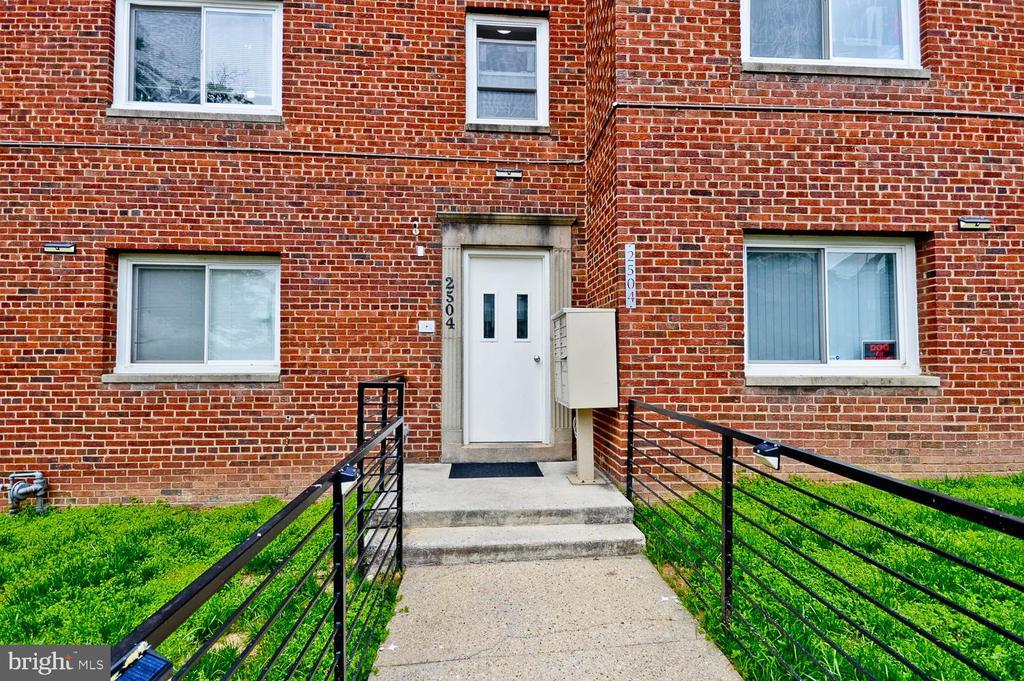 Exterior front - 2504 22ND ST NE #6, WASHINGTON