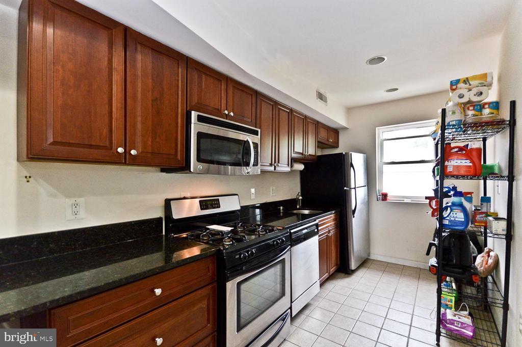 Kitchen - 2504 22ND ST NE #6, WASHINGTON