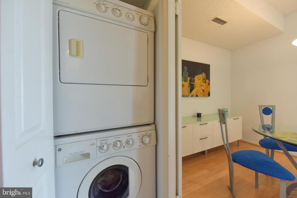 In Unit Washer & Dryer - 3800 POWELL LN #PH 30, FALLS CHURCH