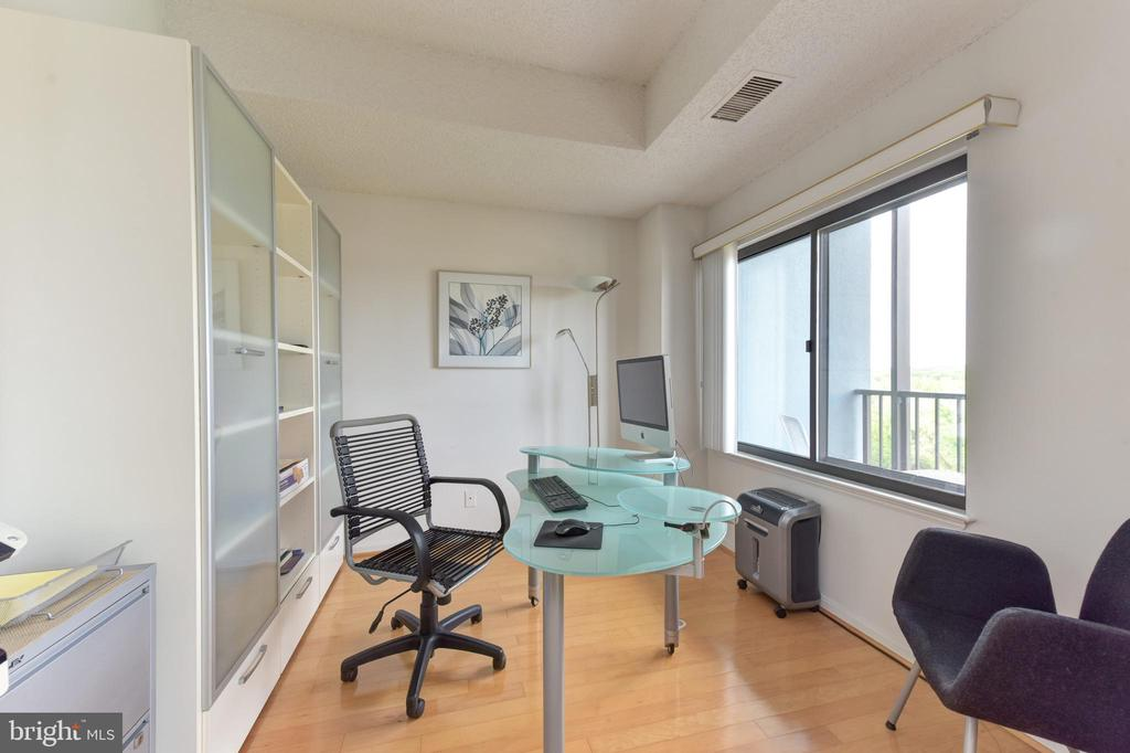 Third Bedroom/ Office Includes Panoramic Views - 3800 POWELL LN #PH 30, FALLS CHURCH