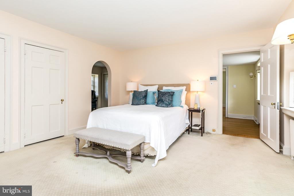 2 LARGE CLOSETS & A DRESSING RM - 1009 WINDING WAY, BALTIMORE