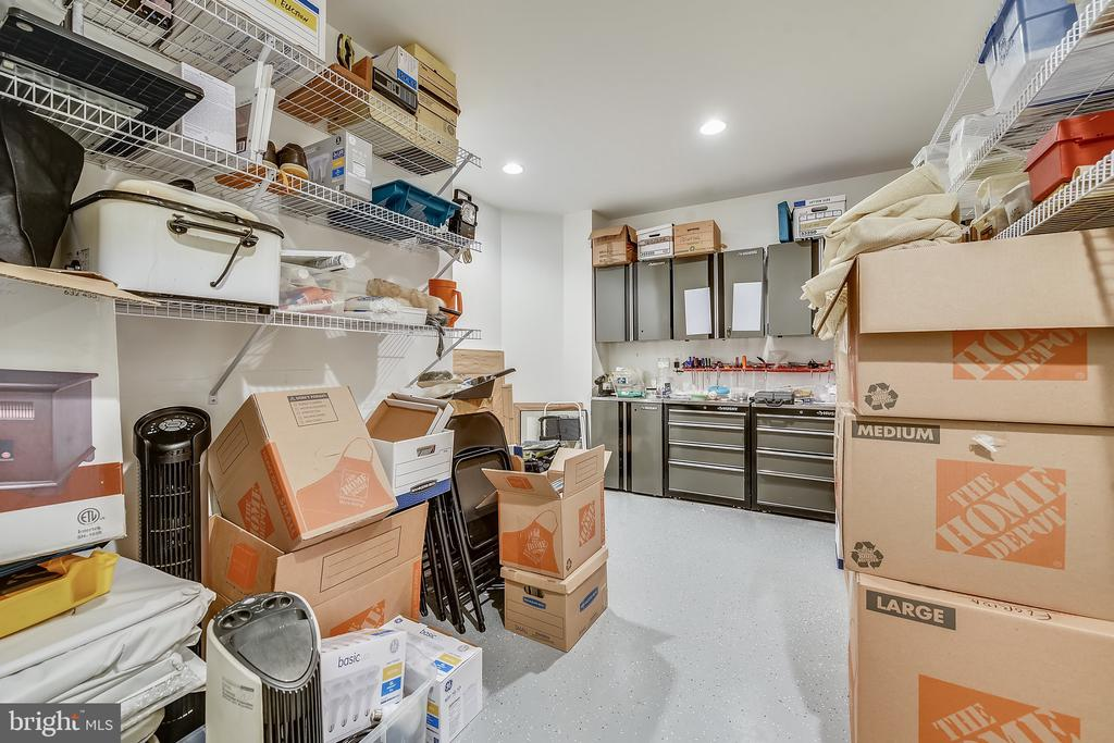 Plenty of storage - 20736 JENNIFER ANN DR, ASHBURN