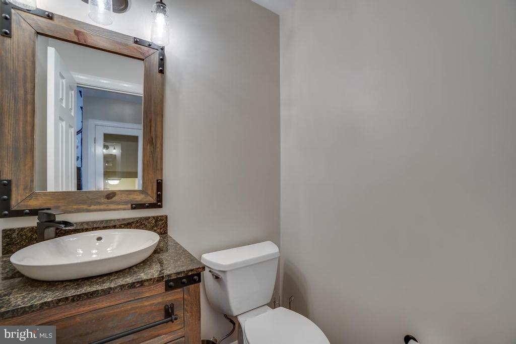 Half Bath - 43671 MINK MEADOWS ST, CHANTILLY