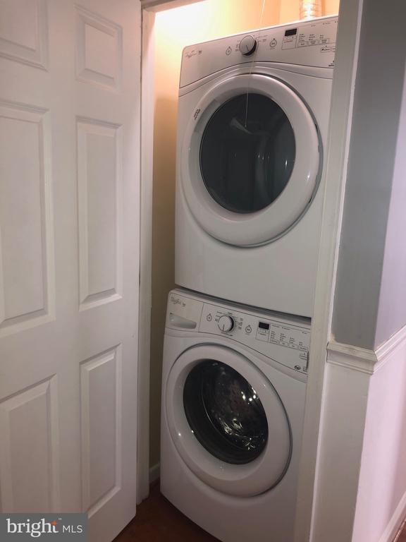 Full Size, Energy Saver, Main Level Laundry. - 5215 DIX ST NE, WASHINGTON