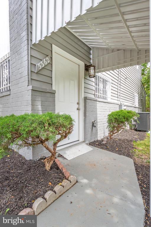 Walkway to Front Entry Door - 5362 HAYES ST NE, WASHINGTON