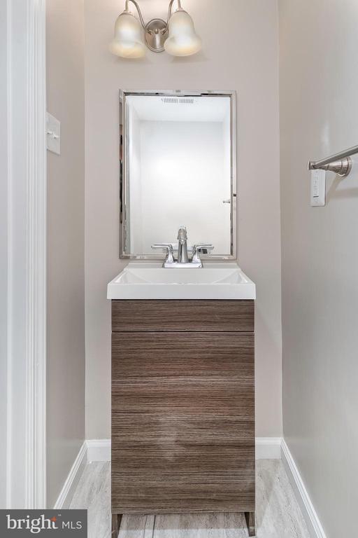 Main Level Half Bathroom - 5362 HAYES ST NE, WASHINGTON