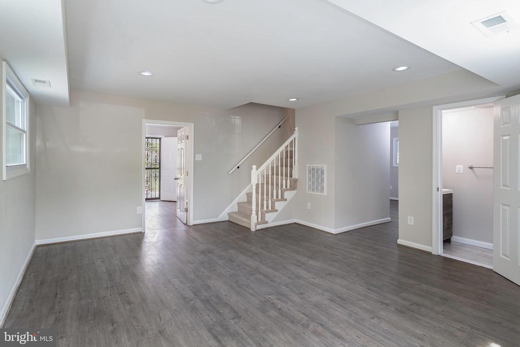 Living room as you enter home - 5362 HAYES ST NE, WASHINGTON