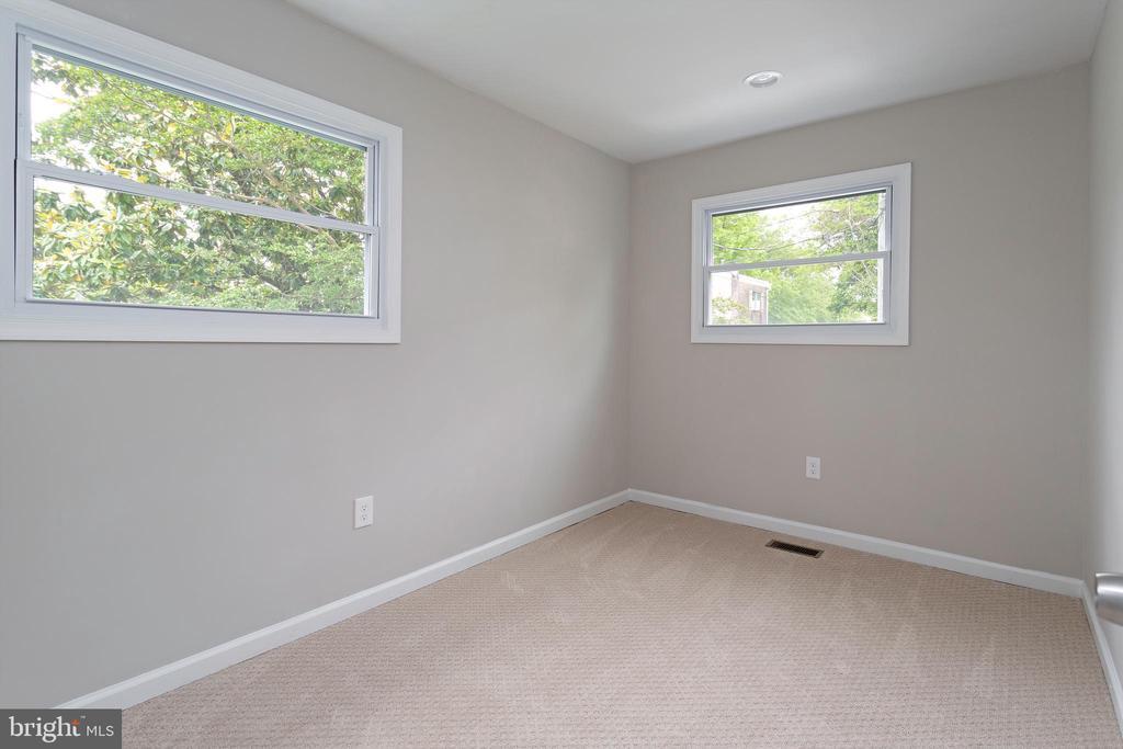 Bedroom 2 - 5362 HAYES ST NE, WASHINGTON