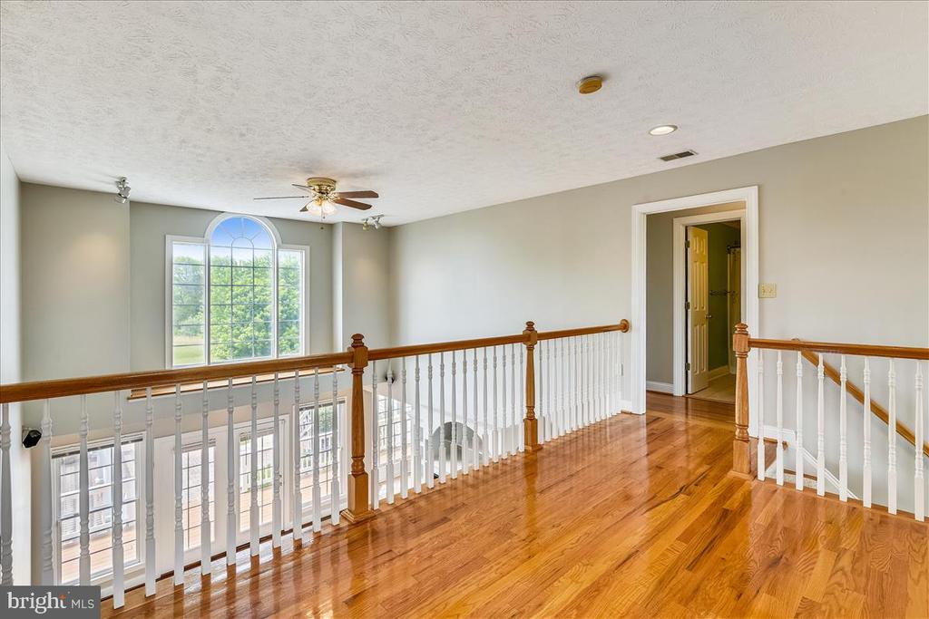 Upstairs landing; more hardwood - 2040 SALEM CHURCH RD, STEPHENS CITY