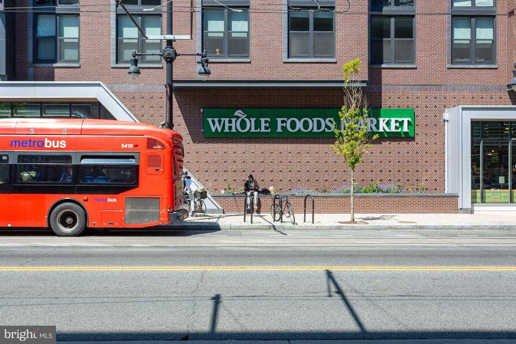 Walking Distance to Whole Foods - 802 10TH ST NE #2, WASHINGTON