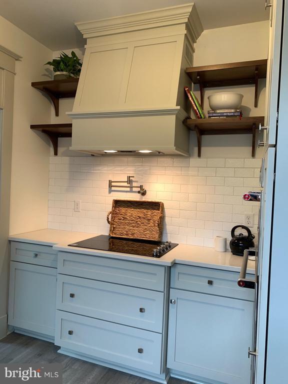Kitchen - 3630 PETERSVILLE RD, KNOXVILLE