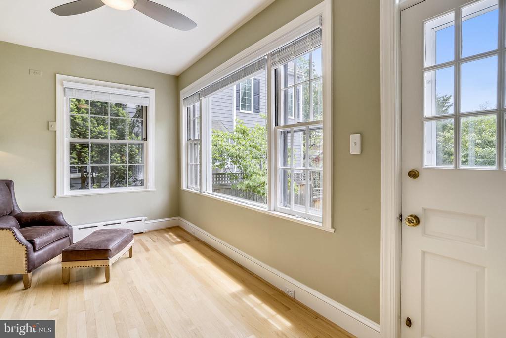 Fantastic windows overlooking the backyard - 4924 BUTTERWORTH PL NW, WASHINGTON
