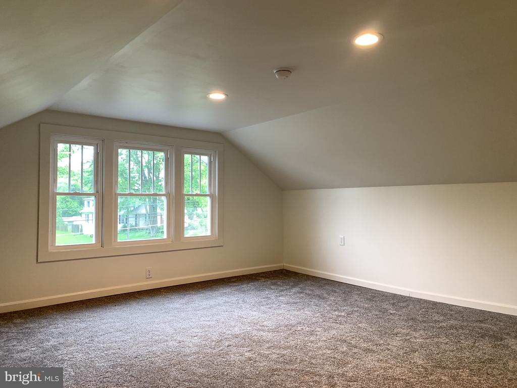 Bedroom 3 (7 ft tall ceilings) - 3630 PETERSVILLE RD, KNOXVILLE