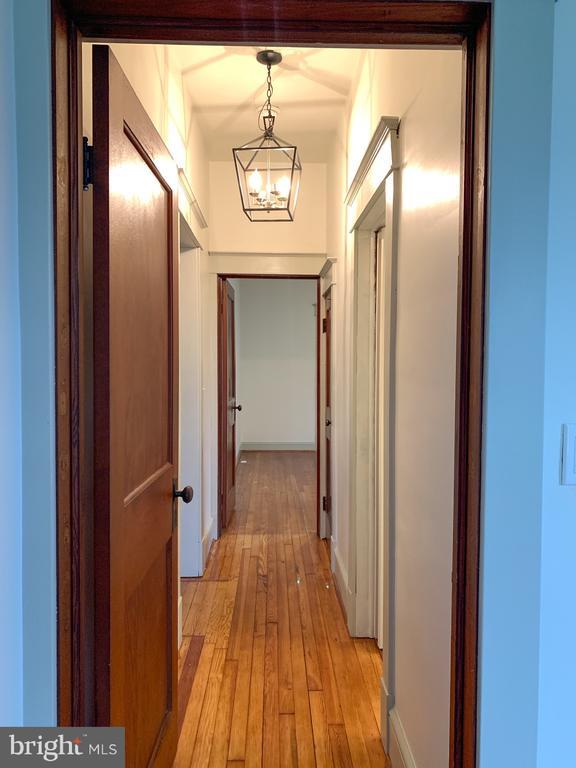 Hallway between bedrooms - 3630 PETERSVILLE RD, KNOXVILLE