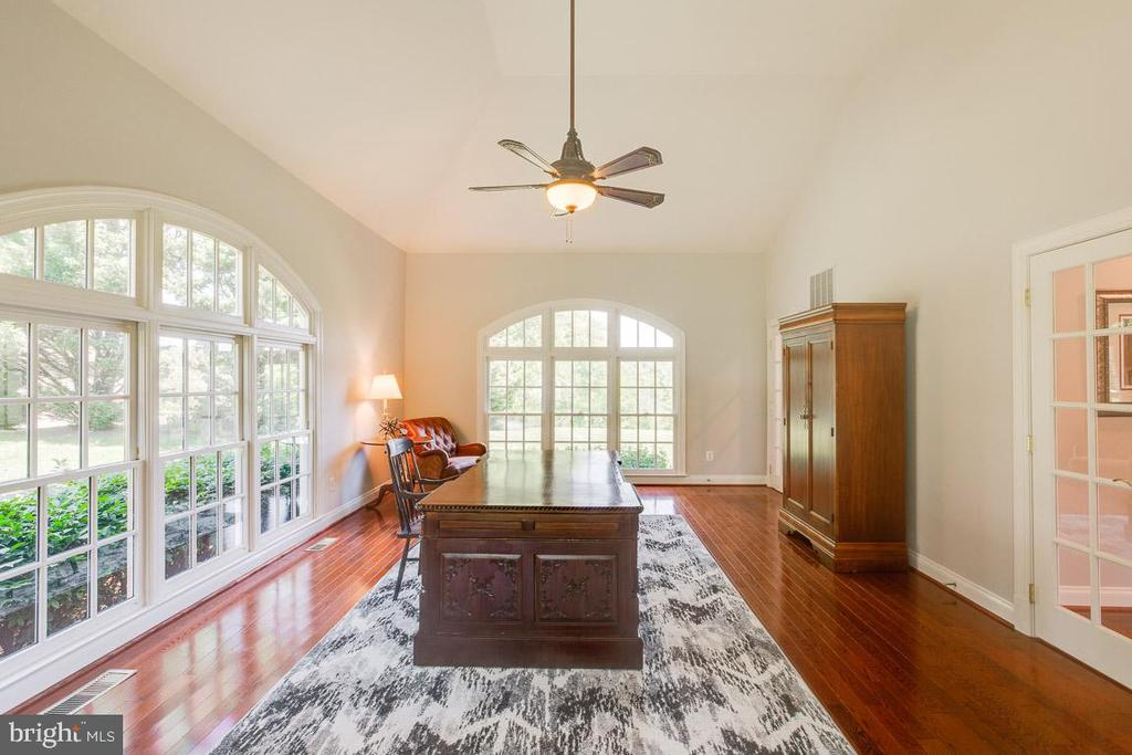 Sun room or second office - 17072 SILVER CHARM PL, LEESBURG