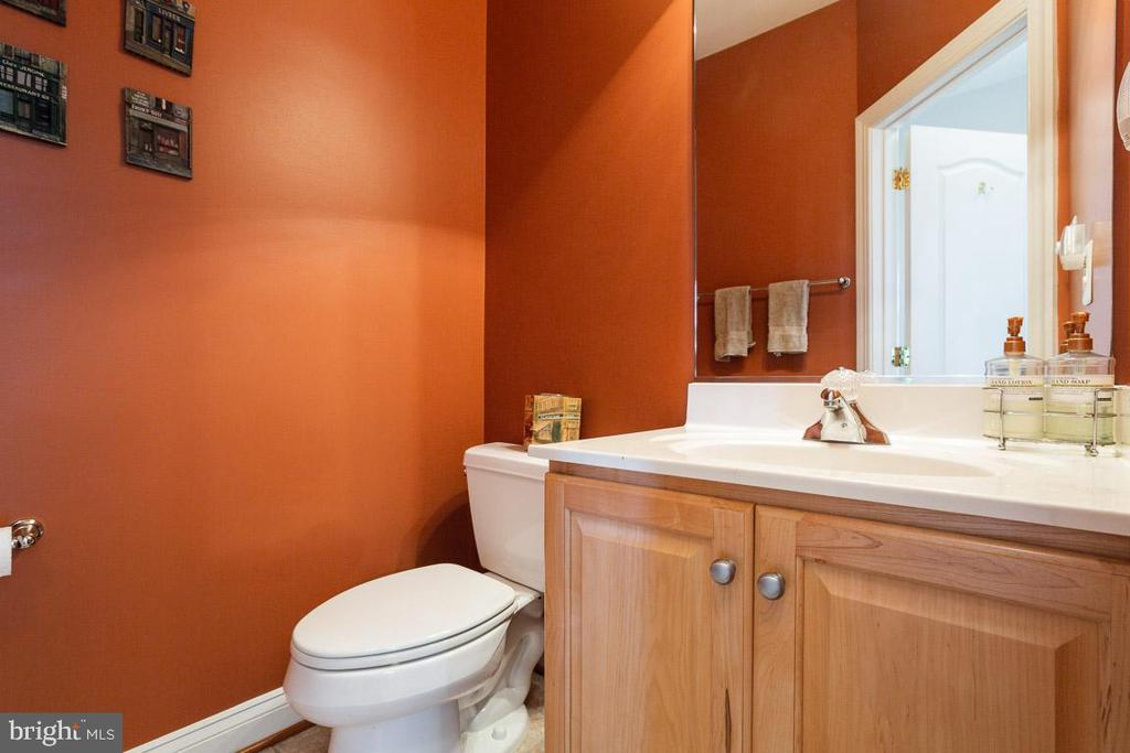 Second half bath on main level - 17072 SILVER CHARM PL, LEESBURG
