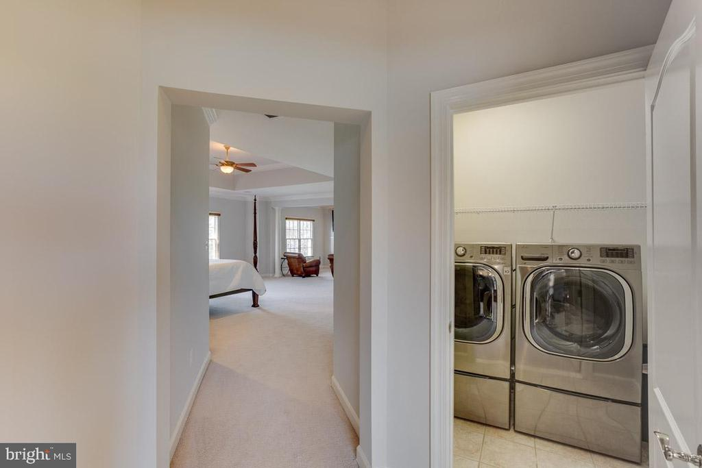 Second level laundry - 17072 SILVER CHARM PL, LEESBURG