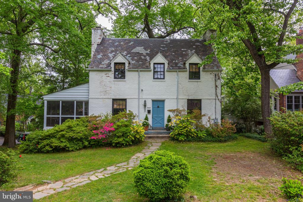 Welcome Home to this charming colonial - 6431 UTAH AVE NW, WASHINGTON