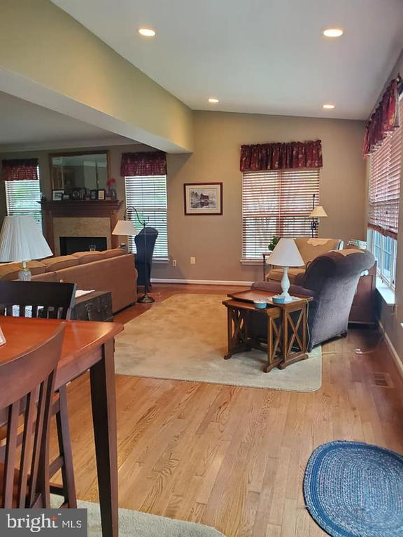 - 7033 ALLINGTON MANOR CIR E, FREDERICK