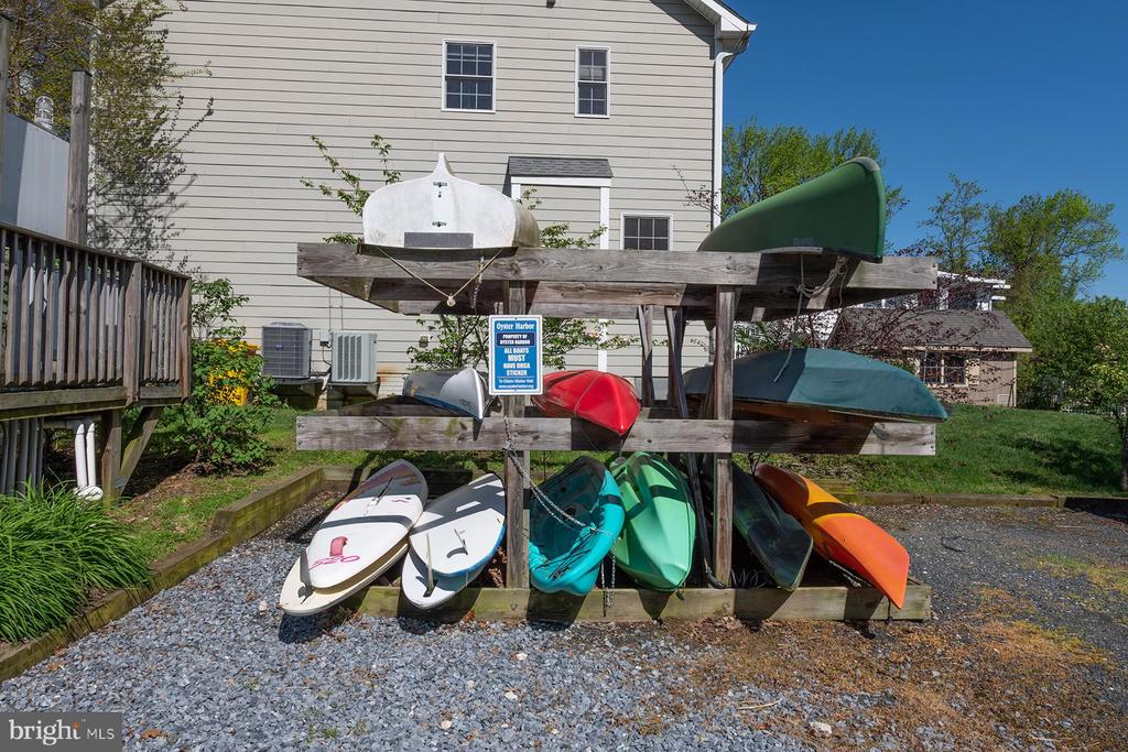 Oyster Creek kayak storage - 1218 WASHINGTON DR, ANNAPOLIS