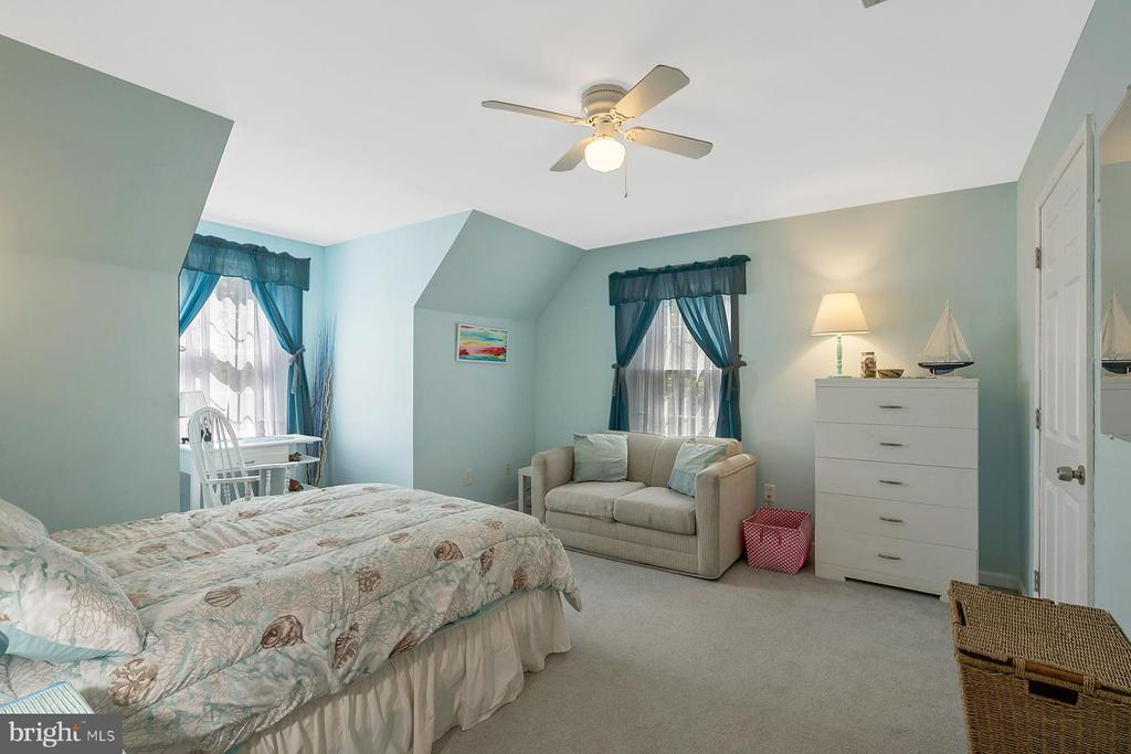 4th bedroom is also on the top floor - 1218 WASHINGTON DR, ANNAPOLIS