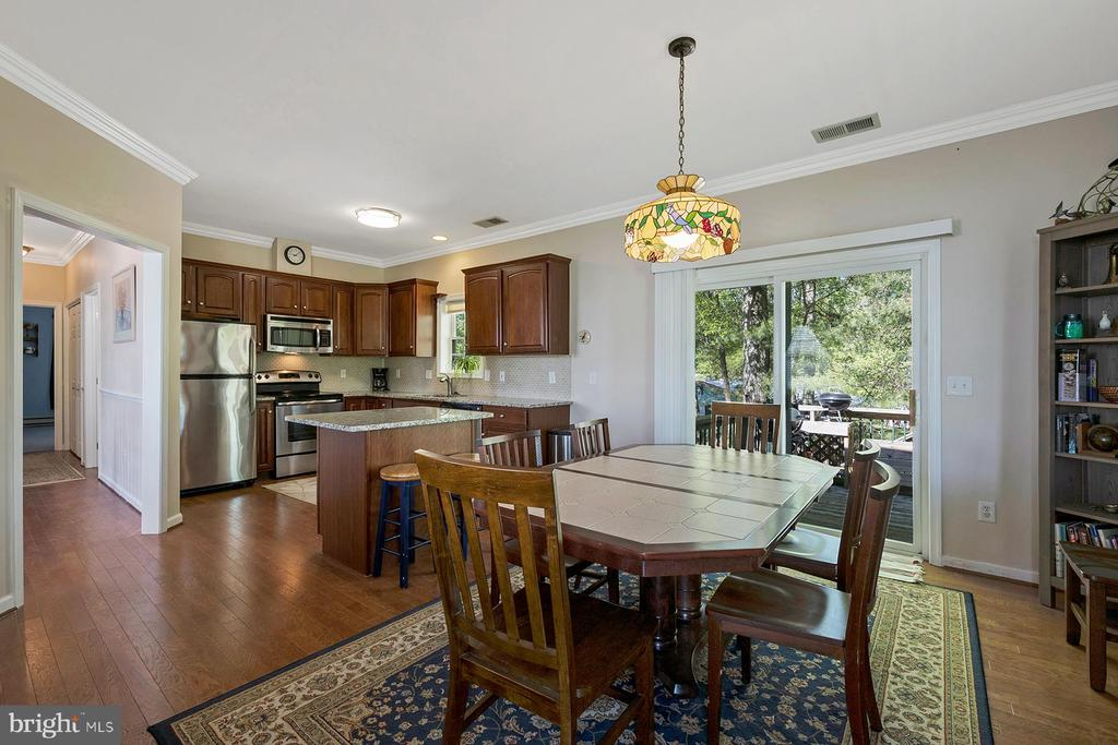 More formal dining is also available - 1218 WASHINGTON DR, ANNAPOLIS