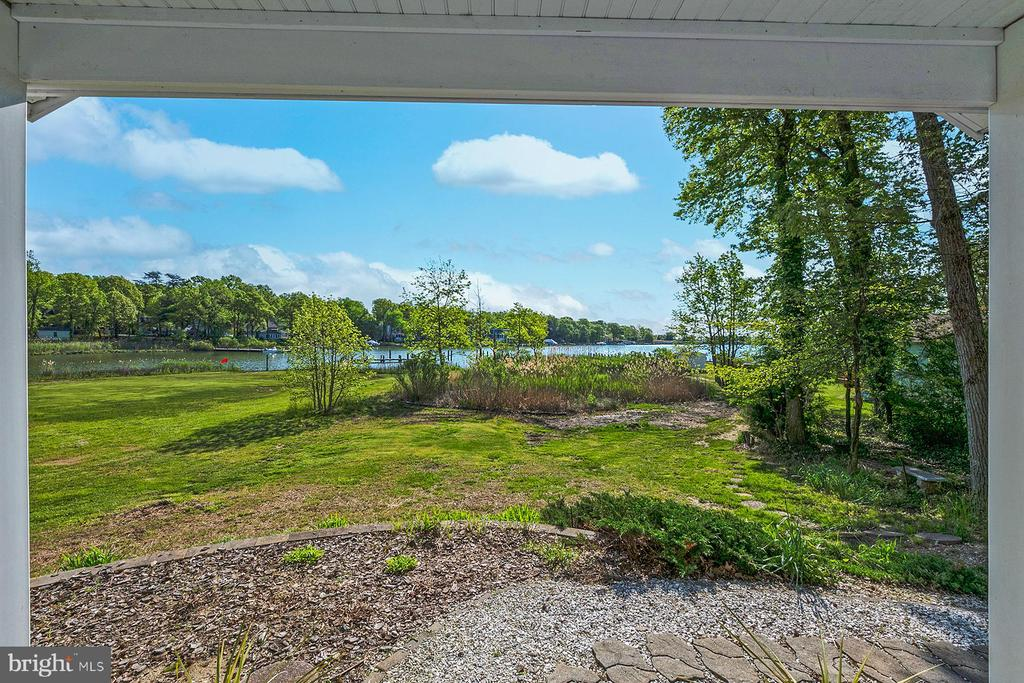 View from the front door to the water - 1218 WASHINGTON DR, ANNAPOLIS