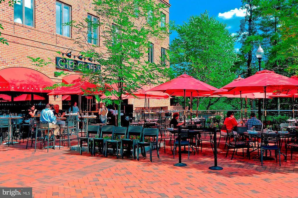 Neighborhood Restaurant - 4100 CATHEDRAL AVE NW #810, WASHINGTON