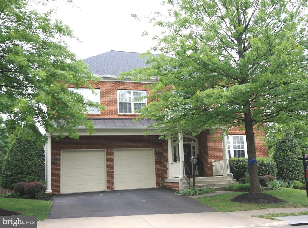Beautiful Brick Brambleton Home! - 42636 EMPEROR DR, BRAMBLETON