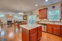 Kitchen and Family Room Open Concept - 31 WALKER WAY, STAFFORD