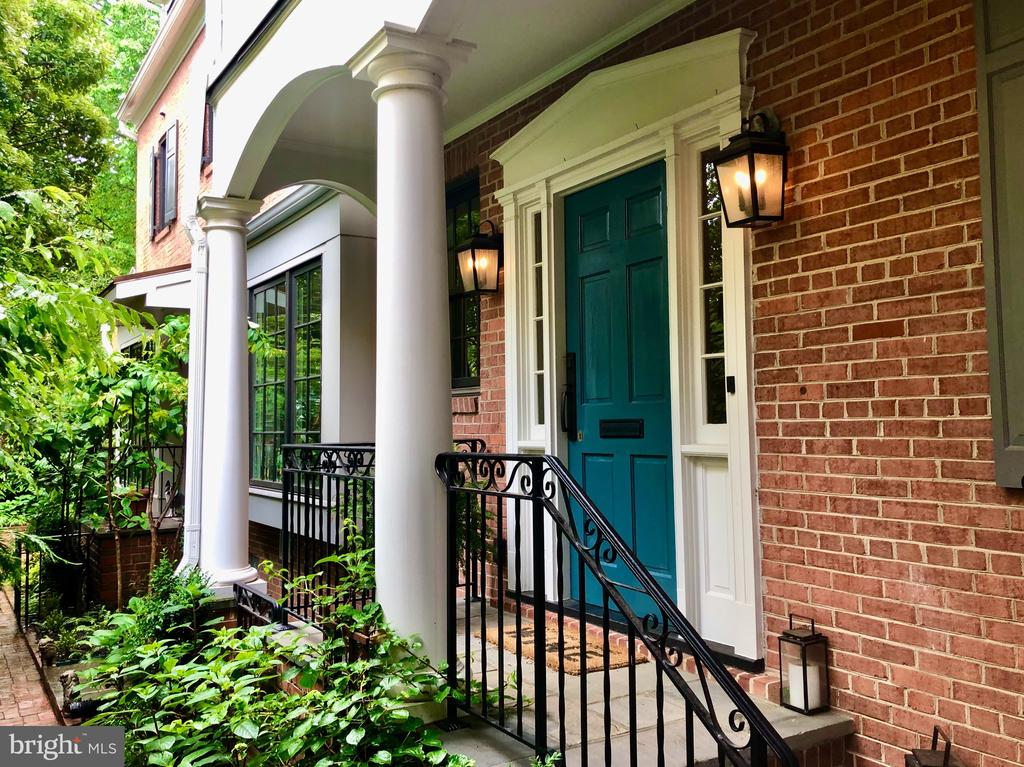 Front Entrance - 412 WOLFE ST, ALEXANDRIA