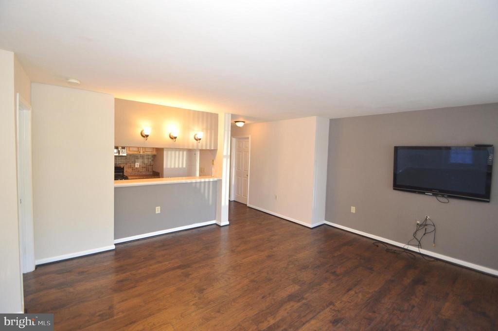 Living Room - 21013 TIMBER RIDGE TER #102, ASHBURN