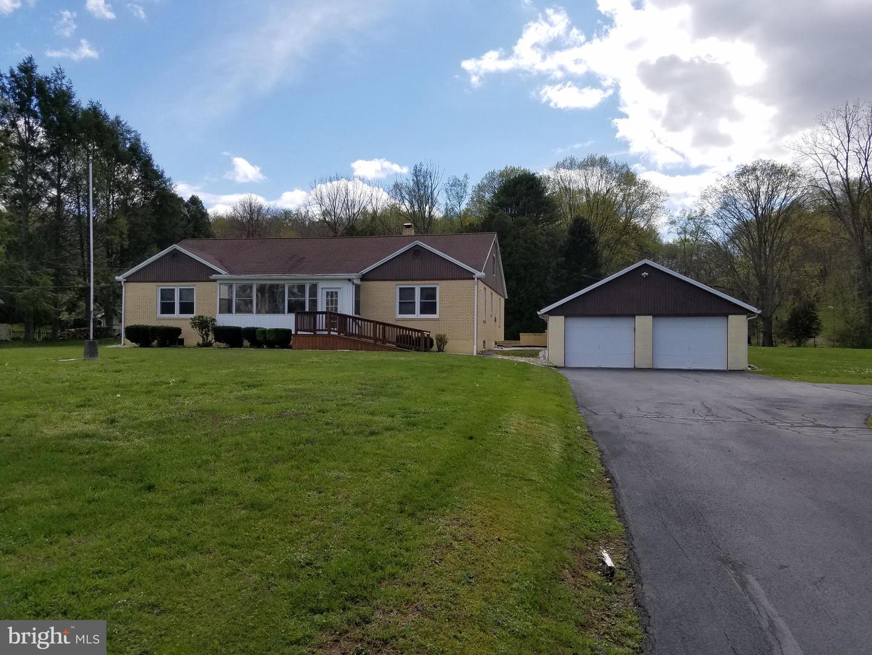 Single Family Homes vì Bán tại Newport, Pennsylvania 17074 Hoa Kỳ