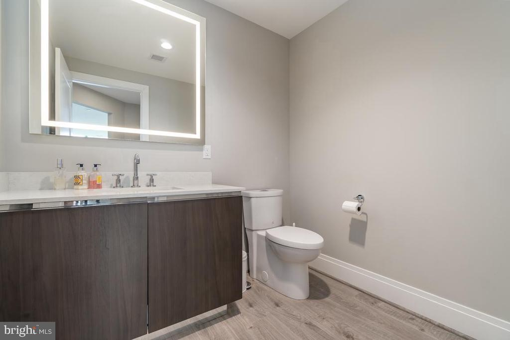 Powder Room - 930 ROSE AVE #2002, ROCKVILLE