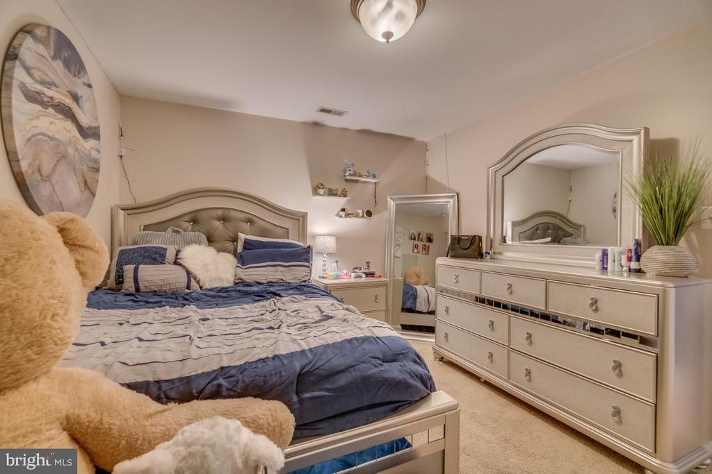 Basement bedroom - 9508 TIMBERLAKE RD, FREDERICKSBURG
