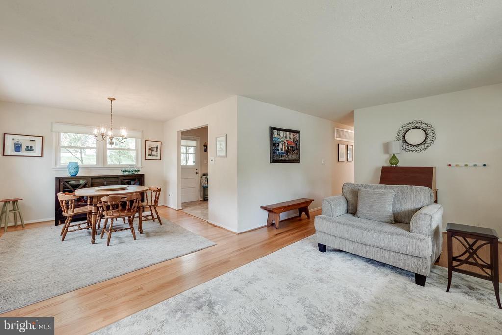 Main Living Area - 5951 KEDRON ST, SPRINGFIELD