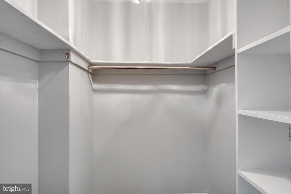 Walk in Closet - 1525 S GEORGE MASON DR #10, ARLINGTON