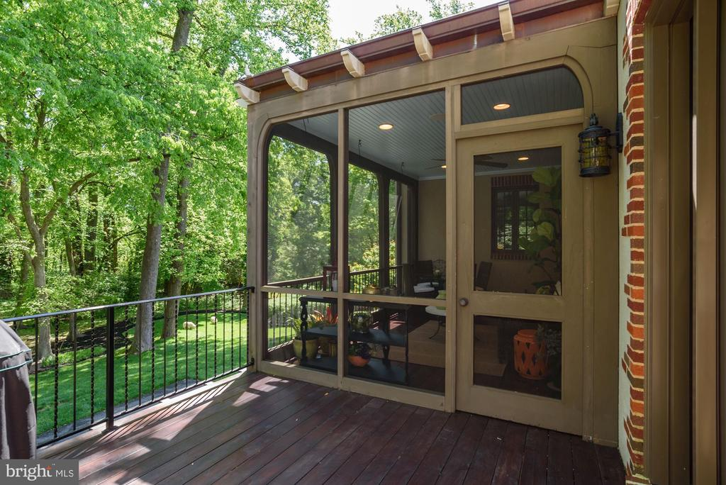 Screened Porch - 6409 KENNEDY DR, CHEVY CHASE