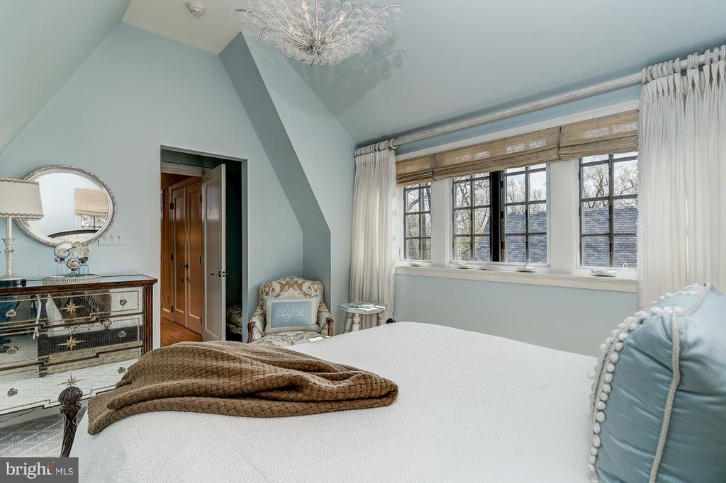 Third Floor Bedroom - 6409 KENNEDY DR, CHEVY CHASE