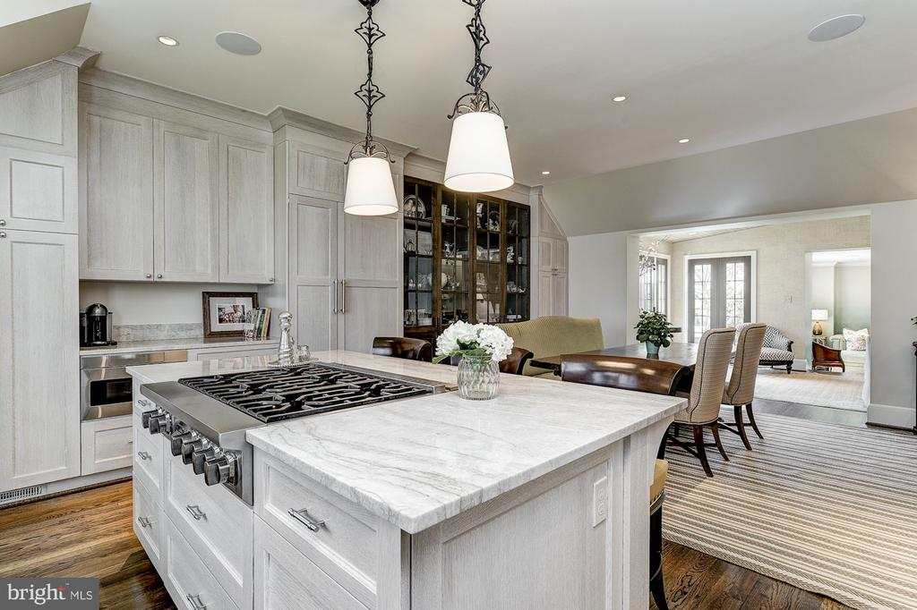 Kitchen - 6409 KENNEDY DR, CHEVY CHASE