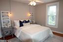 Master bedroom with original pine hardwoods - 900 N FREDERICK ST, ARLINGTON